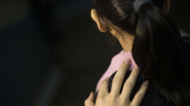 Астанада көпқабатты үйлердің подьезінде ер адам 13 жастағы қызды зорламақ болды