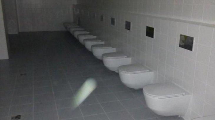 «Я не буду мыть туалеты. Они воняют»: Студентка медуниверситета в Актобе пожаловалась на профессора (ВИДЕО)