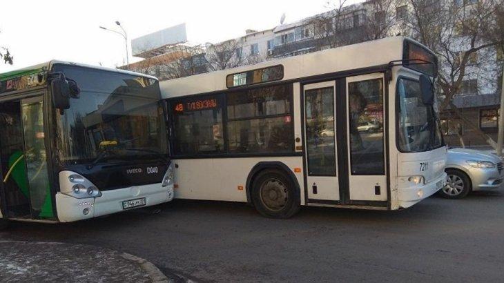 Нұр-Сұлтанда тағы 2 автобус соқтығысты
