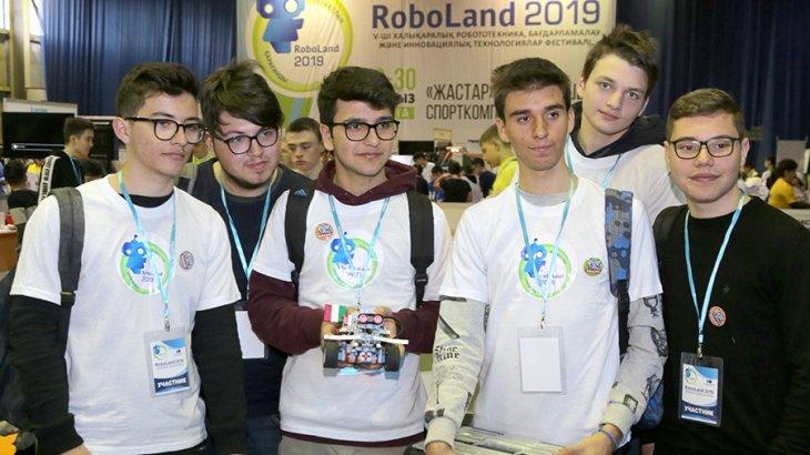 Қарағанды оқушылары «RoboLand  –  2019» халықаралық фестивалінде үздіктер қатарынан көрінді
