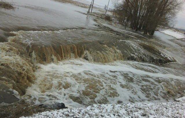 Ақмола облысында су қоймасы бұзылып, ағын су Көкшетауға бет алды