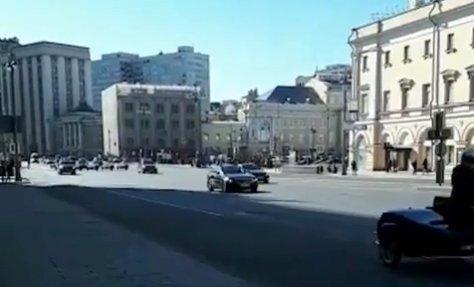 «Мә, қазақтар келді»: Тоқаевтың Мәскеудегі кортежі ресейліктерді таң қалдырды (ВИДЕО)