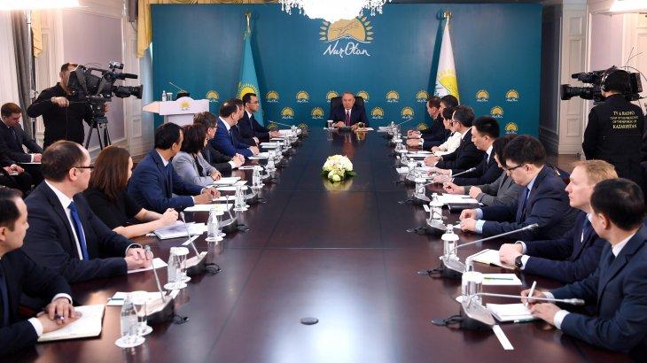 Назарбаев «Nur Otan» партиясының атынан президенттікке кандидат ұсынуды тапсырды