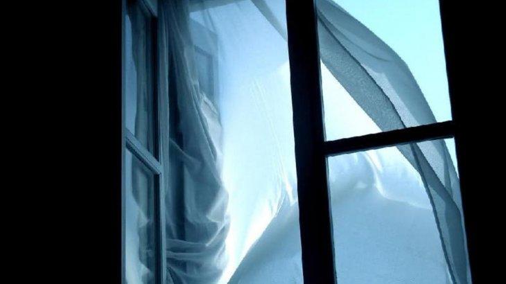 Шымкентте 1-курс студенті университеттің жоғары қабатынан секіріп мерт болды