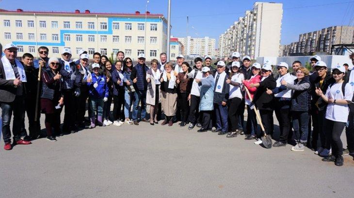 Қарағандыдағы Достық үйінің маңайына 100 көшет отырғызылды