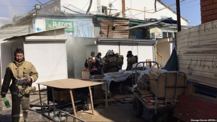 Ақтөбенің орталық базарында бірнеше павильон өртеніп кетт