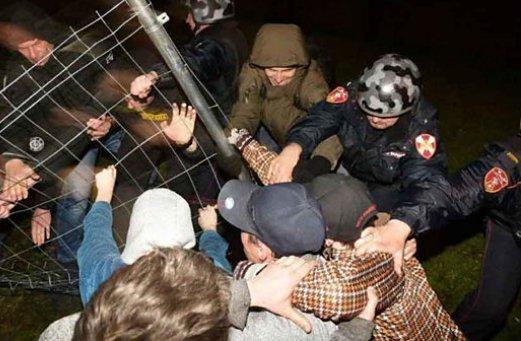 Екатеринбургте халық 3 күннен бері наразылық шеруінде: 60-тан аса адам ұсталды (ВИДЕО)