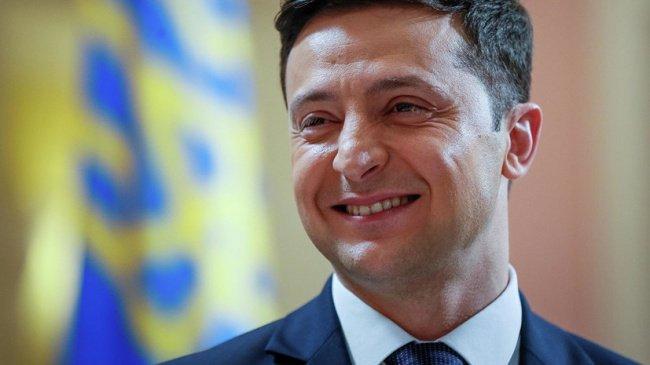 Украина президенті өзіне қарсы митингіге шығып жатқандарды жазаламауды сұрады