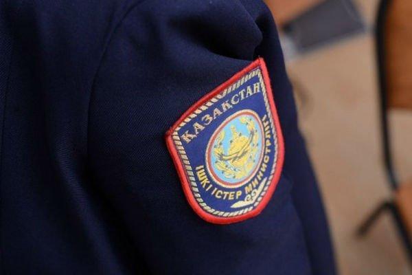 Қызылордада полиция қызметкері көпірден секірген егде жастағы әйелді құтқарды