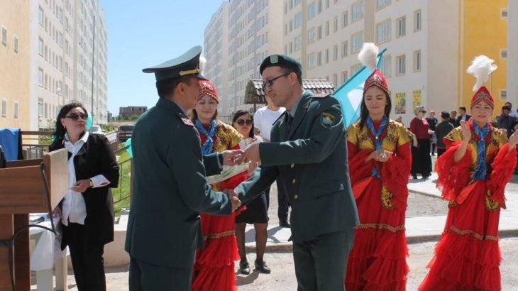 Шымкент қаласында 19 әскери қызметкерге пәтер кілті берілді
