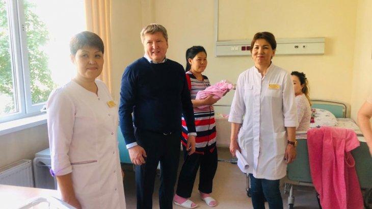 Шымкент: Денсаулық сақтау басқармасының басшысы қалалық перинаталдық орталыққа барды