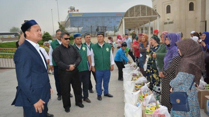 Қасиетті Рамазан айында Шымкентте 90 отбасыға қайырымдылық ретінде азық-түлік таратылды