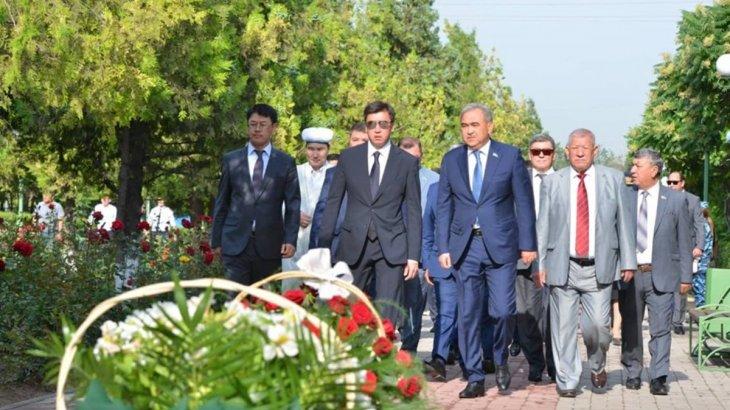 Шымкент қаласындағы «Қасірет» мемориалында саяси қуғын-сүргін құрбандарын еске алу іс-шарасы өтті
