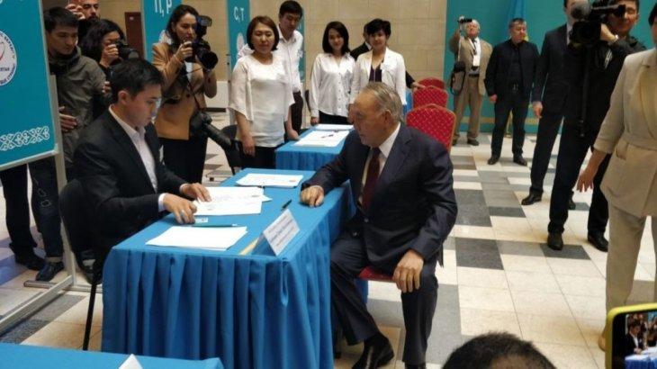 Тұңғыш Президент Нұрсұлтан Назарбаев өз таңдауын жасады