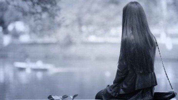 «Басқалармен де жүріп көрдім»: жігіті қайтыс болған 27 жастағы бойжеткен қиналып жүргенін айтты
