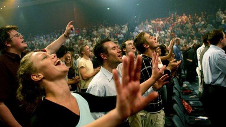 Заңгер Қазақстан Бас Прокуратурасынан «Иегова куәгерлерін» экстремистік ұйым деп тануды сұрады