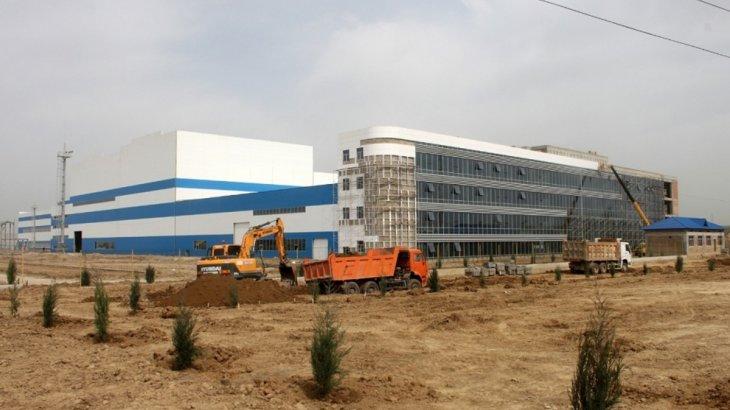 Шымкент қаласының әкімі энергетикалық сусын шығаратын компанияның жұмысымен танысты