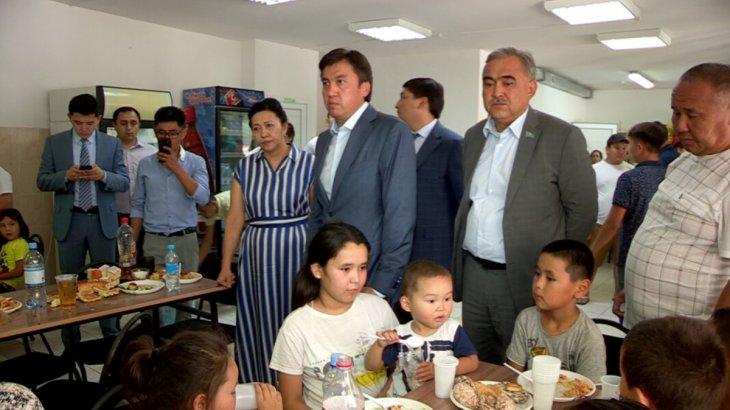 Шымкент қаласының әкімі қабылдау бекеттеріндегі арыстықтармен жүздесті
