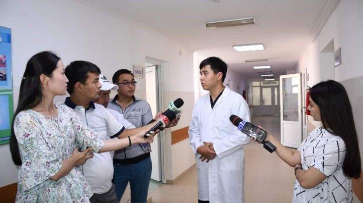 Шымкенттік дәрігерлер жүкті әйелдің жүрегін тоқтатып, операция жасады