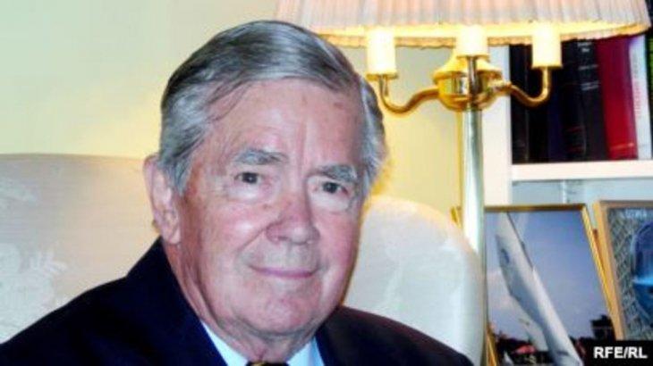 Тегеранда кепілге алынған АҚШ дипломаты Брюс Лейнген қайтыс болды