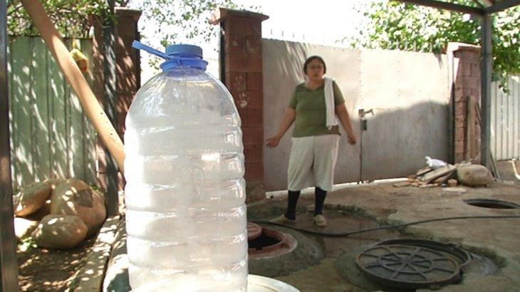 Алматыдағы Наурызбай ауданының тұрғындары сусыз отыр