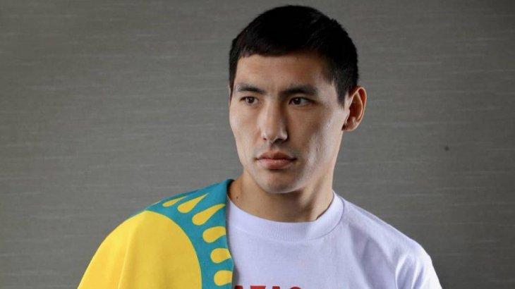 Канадалық боксшы Жәнібек Әлімханұлын «Боратша киіндіріп» қойды