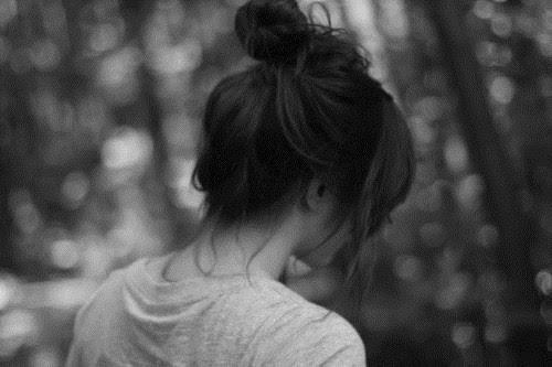 «Штанын шешіп, аузымды жауып, ісін тындырды»: 25 жастағы өскемендік бойжеткен кафе дәретханасында қалай зорланғанын айтты