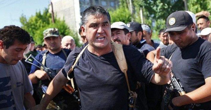 Атамбаевты берілуге көндірген полицей қызметінен қуылды
