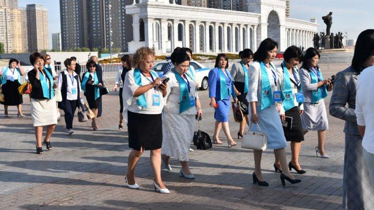 «Бірыңғай тәртіп болуы керек»: министр мұғалімдердің жұмыс кестесіне қатысты пікір білдірді