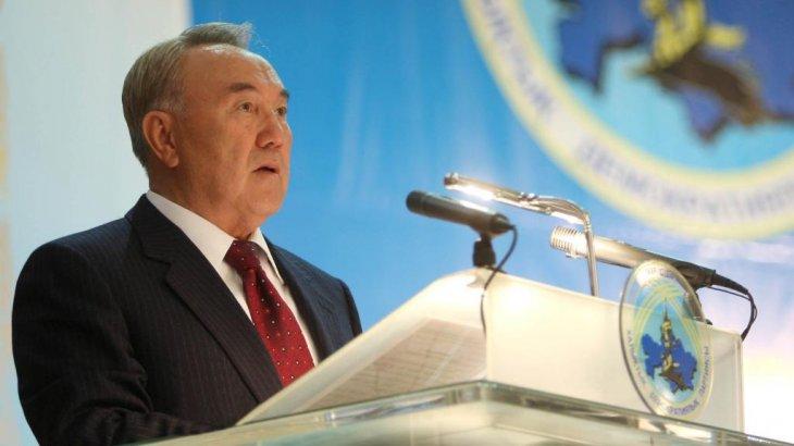 «Шығыңыздар партиядан, біз басқасын таңдаймыз»: Назарбаев шенеуніктерді сынға алды