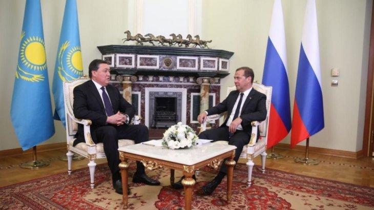 Мамин мен Медведев не туралы әңгімелесті?