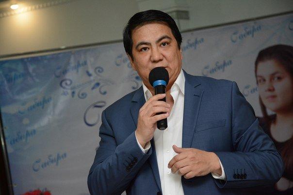 «Баламыз екі айға толғанда шетінеп кетті»: Асылбек Боранбаев «Той жыры» бағдарламасында сұхбат берді