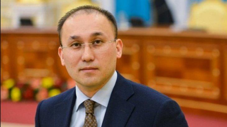 «Ол - әскери адам, тіке айтады»: Дәурен Абаев Божкоға қатысты пікір білдірді