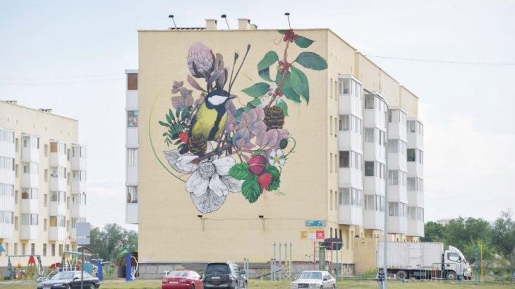 Street art салтанаты: елорданың ескі үйлеріне сән берген суреттер (ФОТО)