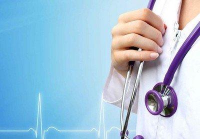 Жекеменшік клиникалар лицензиясы жоқ шетелдік дәрігерлерді жұмысқа шақырған