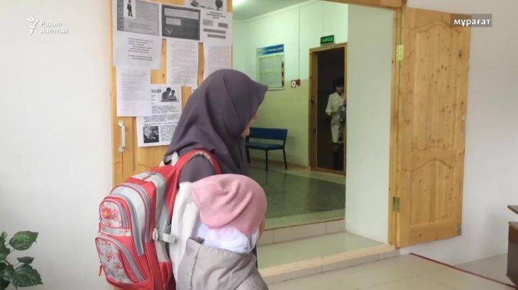 «Отбасында жылулық жоқ»: Сирияға кетпек болған оқушыны дінтанушылар райынан қайтарды