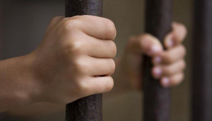 «Дұрыс шешім деп ойлаймын»: 9 жастағы балаға 5 адамның өліміне «кінәлі» деген айып тағылды