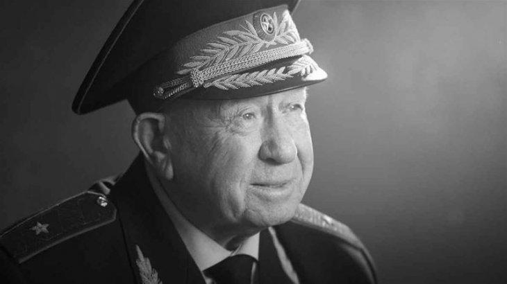 Ғарышкер Алексей Леонов дүниеден өтті