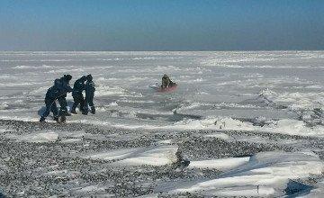 БҚО-да 2 ер адам балық аулаймын деп мұз астына түсіп кетті