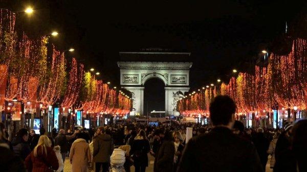 Париж халқы жаңа жылға қалай дайындалып жатыр?