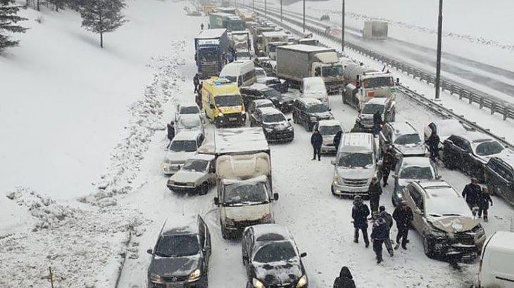 Алматы – Өскемен тас жолында ірі жол апаты болды (ВИДЕО)