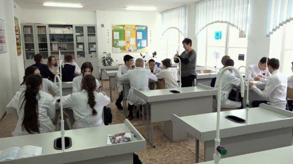 Павлодарда оқушылар мамандықты мектеп қабырғасында меңгереді