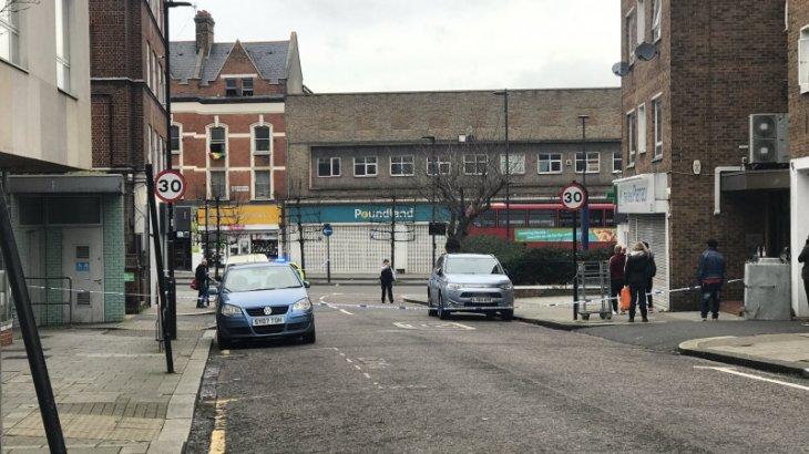Лондонда теракт болып, бірнеше адам пышақталды