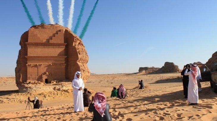 Араб сұлтандары шөл далаға құлтемірлер жұмыс жасайтын шаһар салмақ