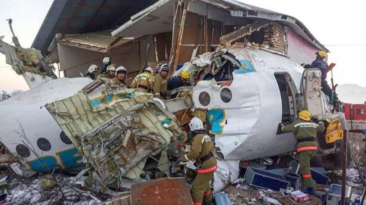 «Үйді заңсыз салған»: Bek Air әуе компаниясы ұшақ соғылған үйдің иесін сотқа берген