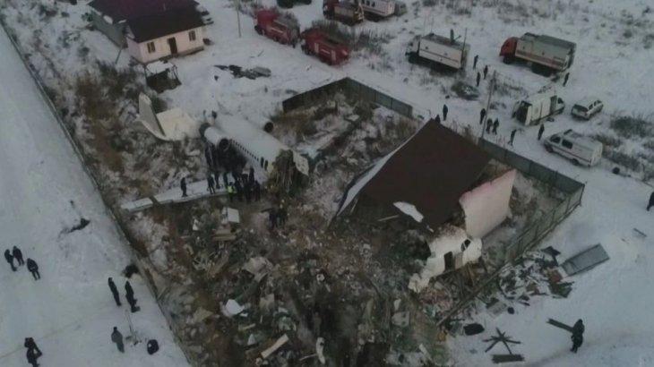 Алматыдағы ұшақ апаты: жақынынан айрылған 12 отбасыға 4 миллион теңгеден берілді