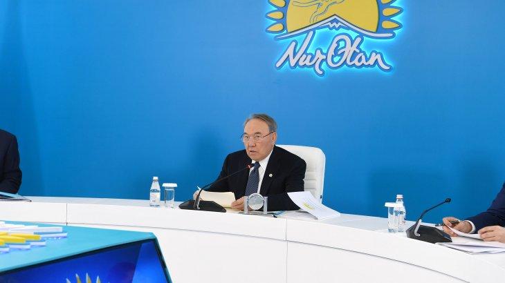 Назарбаев Мәжіліс депуттарына шалғай аудандарға баруы керектігін ескертті