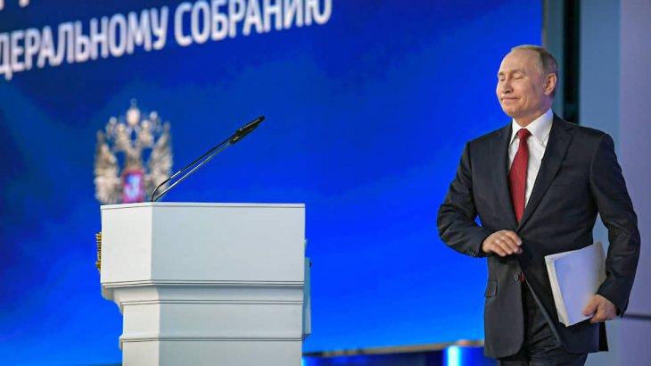 «Қазақстан тәжірибесін зерттеп жатқаны анық»: Путин 2030 жылға дейін президент болмақ