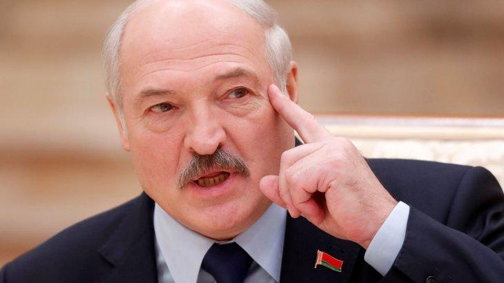«Әлем коронавирус деп жындана бастады» - Лукашенко