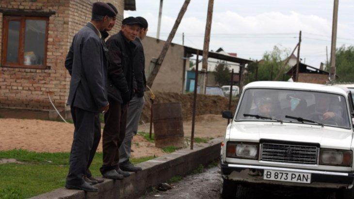 «Біліксіз әкімдер халықты шаршатты»: Алматы облысында карантиндегі саяжайлықтар шу шығарды (ВИДЕО)